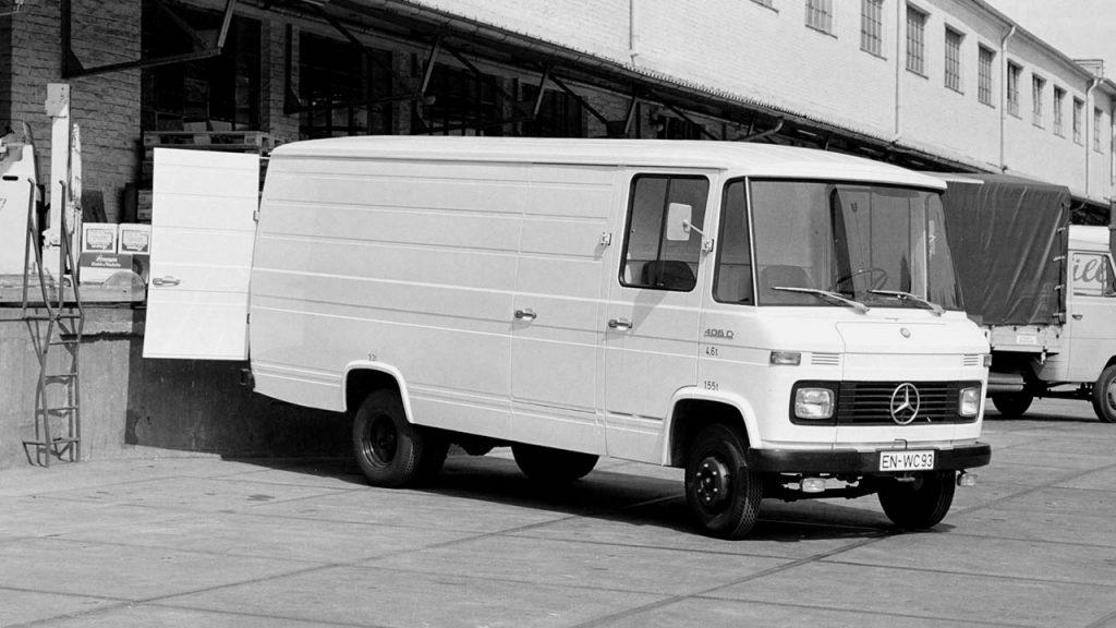 1969 Mercedes-Benz L406D High Roof Van